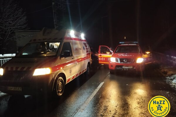 Hasiči pomáhali záchranárom