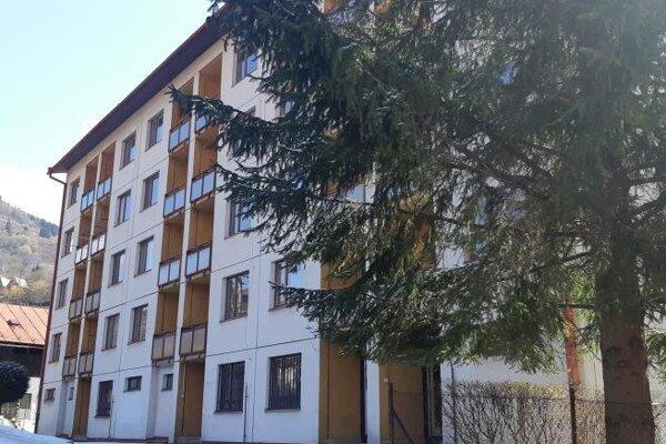 Mesto kúpilo bývalý internát.