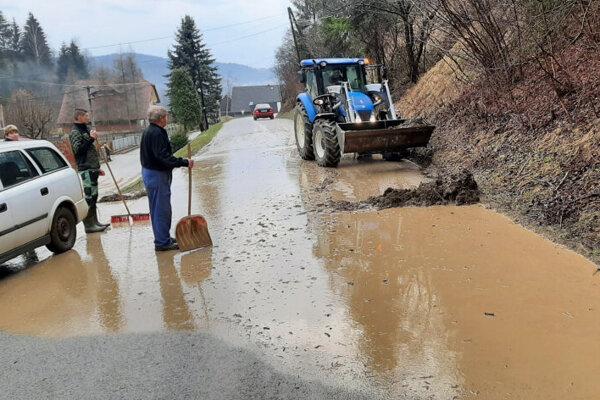 Po povodni v Medzibrodí nad Oravou.