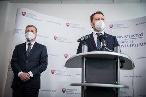 Minister financií Igor Matovič (vpravo) a minister zdravotníctva Vladimír Lengvarský.