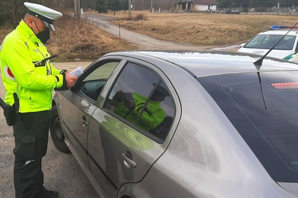 Nepríjemné ranné prekvapenie na cestách, vodič nafúkal vyše 2 promile