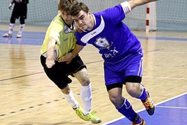 Peter Peciar otáčal skóre dvoma gólmi v prvom polčase.