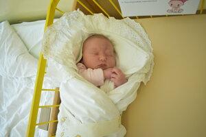 Karolína Chlebanová (4770 g, 53 cm) sa narodila 3. apríla Natálii a Jakubovi z Trenčianskych Teplíc.