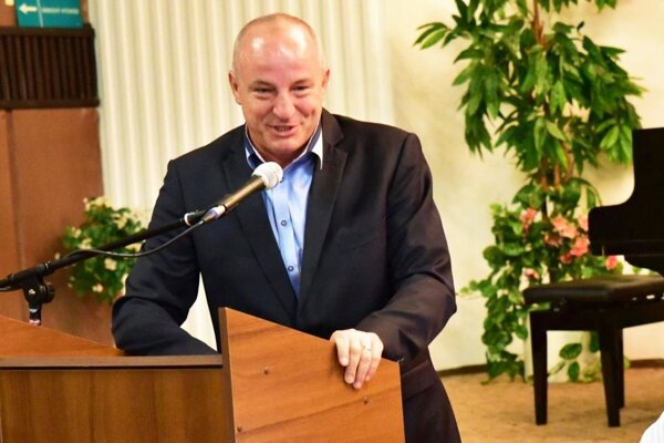 Primátor Šale Jozef Belický si uvedomuje futbalovú i ľudskú veľkosť Štefana Laláka.