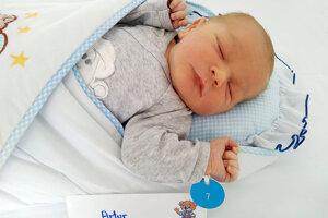 Artur Rosa z Partizánskeho sa narodil 11.4.2021