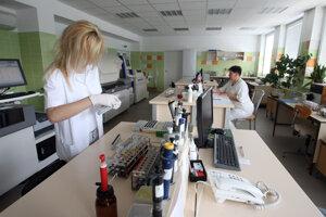 Nemocničné laboratórium. Archívne foto.