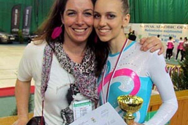 Katarína Kendrová s trénerkou Natáliou Solárovou.