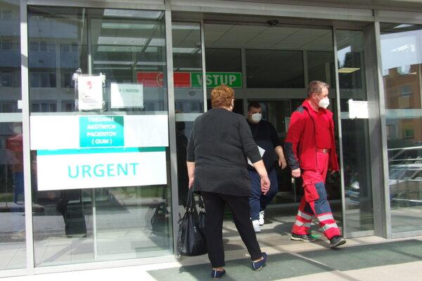 Urgentný príjem sa nachádza v novom liečebnom pavilóne.
