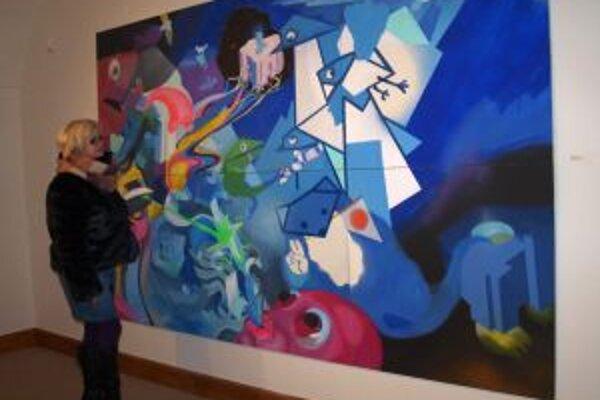 Najväčšie dielo výstavy od Vladimíra Stacha - Mýval pluje nad Pacifikem.