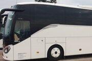 Podnikový autobus skoro ráno rušil obyvateľov Zelenej ulice vPriekope.