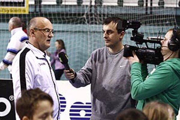 Tréner Nitry Urban mohol hodnotiť zápas pozitívne. Stretnutie prenášala naživo televízia Slovak Sport TV.