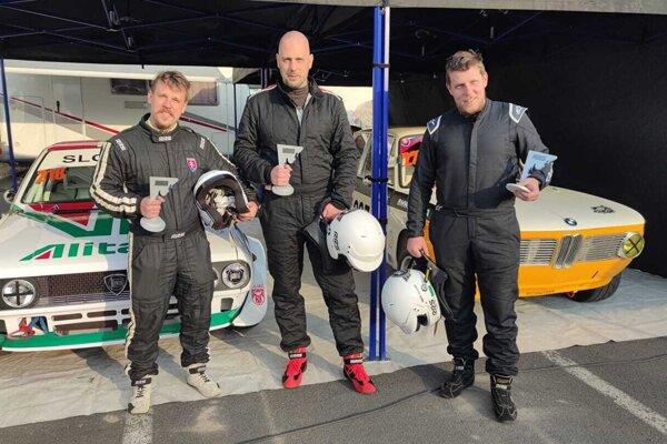 Trio jazdcov z MTB Racing Team po úspešných pretekoch v Šternberku