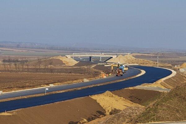 Dôvod na radosť. Východniari sa dočkajú diaľnice do Bratislavy, otvoriť ju majú Maďari už túto jeseň.