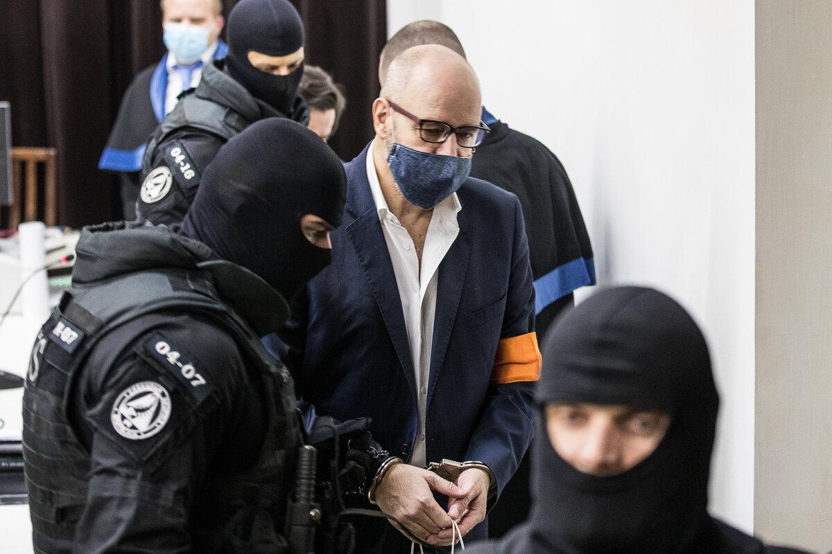 Vytýčili termín procesu s Pavlom Ruskom v kauze prípravy vraždy Volzovej - SME