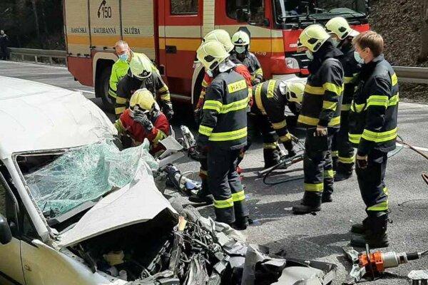 K tragickej dopravnej nehode došlo dnes popoludní na Donovaloch.
