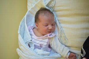 Adela Chmelinová (3600 g, 51 cm) sa narodila 26. apríla Soni a Matejovi z Trenčína.