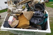 V kontajneroch sa našiel aj stavebný odpad či elektroodpad.