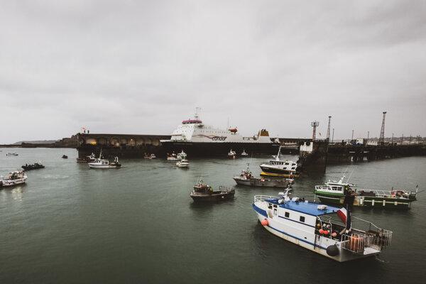 Rybárske lode v prístave St. Helier.