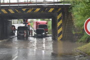 Podjazd na Jilemnického ulici je pravidelne zaplavovaný. Aktuálne tam prebiehajú práce na moste.