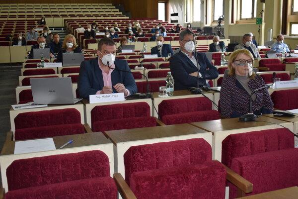 Poslanci schválili VZN o sociálnych službách.