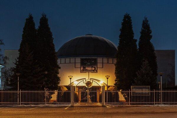 Krajská hvezdáreň a planetárium Maximiliána Hella v Žiari nad Hronom je pre verejnosť opäť otvorená.
