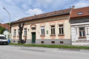 Löfflerov dom na Kmeťovej ulici chce kúpiť Rovás.
