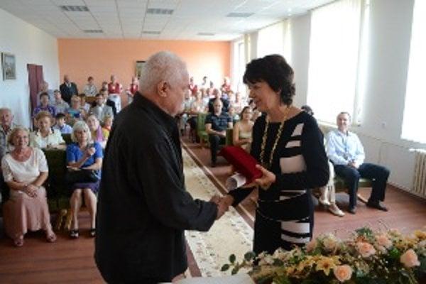 Ocenenie prevzal najstarší syn Michal Studený, akademický maliar, ktorý sa prítomným prihovoril spomienkami na svojho otca.