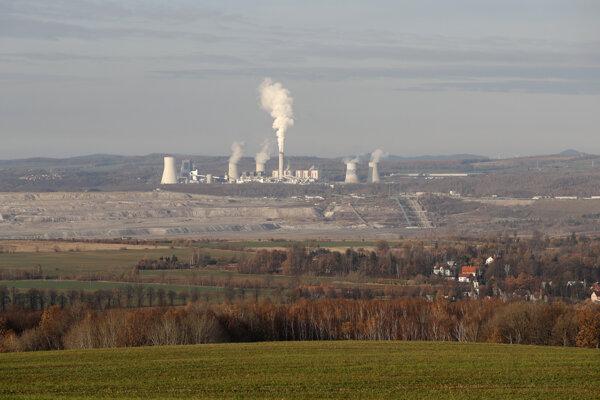 Hnedouhoľná baňa Turów aj s elektrárňou, ktoré sa nachádzajú pri česko-poľských hraniciach.