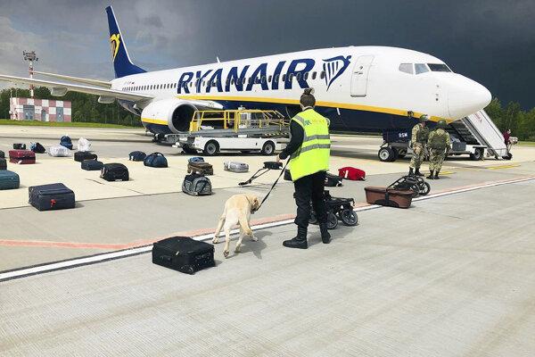 Lietadlo Ryanair na letisku v Minsku.