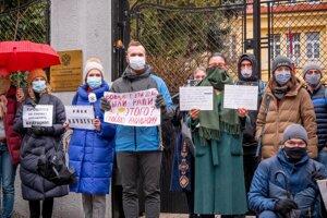 Rusky a Rusi žijúci na Slovensku tvrdia, že režim v Rusku porušuje ľudské práva ako na bežiacom páse a perzekvuje vlastných občanov.