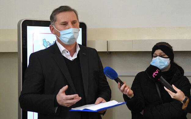 Vladimír Grešš šéfoval univerzitnej nemocnici v Košiciach niečo vyše roka. Potom ho nový minister odvolal.