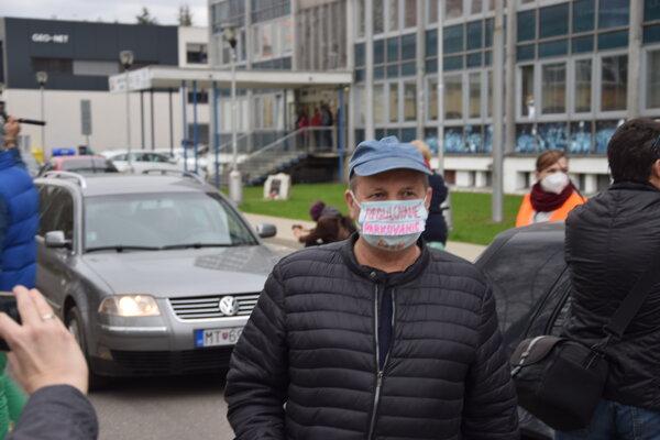 Proti návrhu novej parkovej politiky protestovala aj časť občanov.