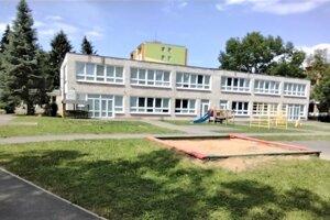 Pod Materskú školu Osloboditeľov na Sídlisku II budú spadať aj škôlky na uliciach Tyršova, Lesná, Mierová, Kudlovská a Družstevná.
