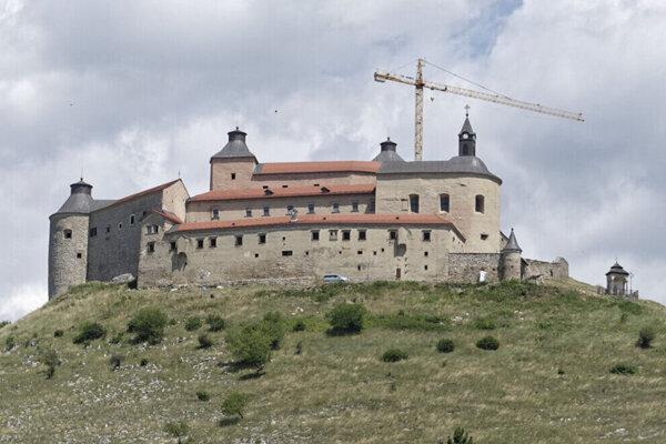 Hrad Krásna Hôrka po čiastočnej rekonštrukcii.