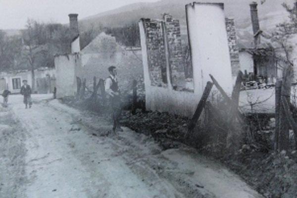 Takto vyzeral Skýcov po vypálení.