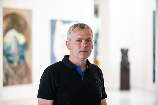 Výtvarník Peter Uchnár.