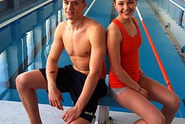Dvojica nitrianskych plavcov - Patrik Pšenák a Eliška Lenčéšová.