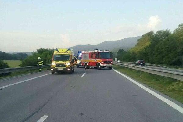 Smrteľná nehoda na R1 pri Novej Bani.