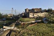Búrkou poškodený dom v Moravskej Novej Vsi