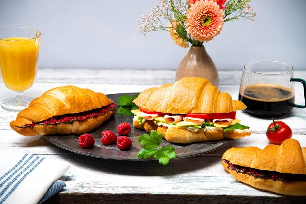 Portfólio Grotto sa rozšírilo aj o sladké a slané croissanty.