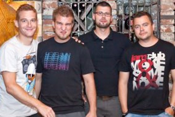 Kapela Siempre: zľava Peter Malinovský, Lukáš Adamec, Kamil Sinicin a Tomáš Okres.