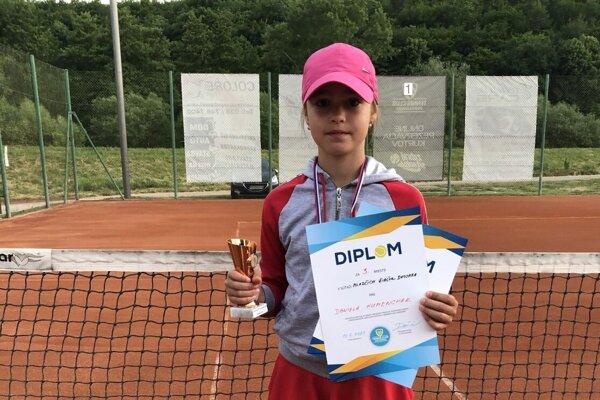 Daniela Humenchak sa zúčastnila turnaja mladších žiačok vPartizánskom.