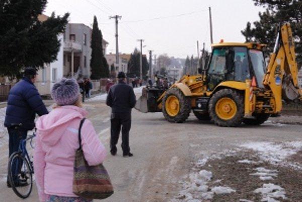 Výstavba na Ďatelinisku už trvá niekoľko týždňov. Začala zbúraním starej škôlky.