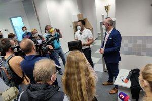 Pri predstavovaní tréningového centra novinárom.