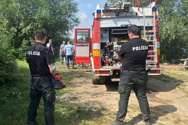 Nedávny zásah hasičov na štrkovisku v Krásnej.