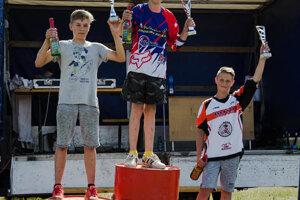 Alex Zuberský (vpravo) skončil tretí.
