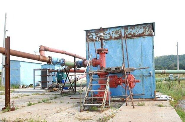 Geotermálny vrt pri Ďurkove. Vyvŕtaný je vyše 20 rokov, zatiaľ bez využitia pre verejnosť.