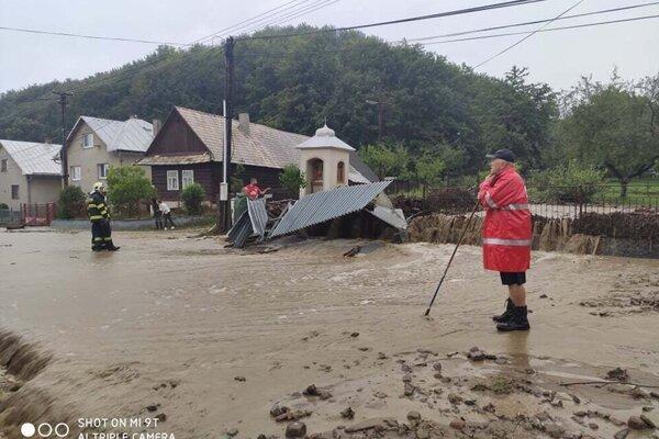 Po povodni v Lenartove.