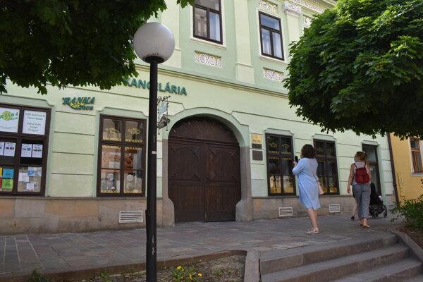 V tomto meštiackom dome v Prešove objavil J. A. Rayman očkovanie proti kiahňam.