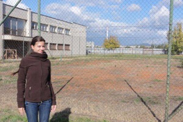 Zámer výstavby hokejbalového ihriska predložila zastupiteľstvu poslankyňa Erika Babocká (nezávislá).